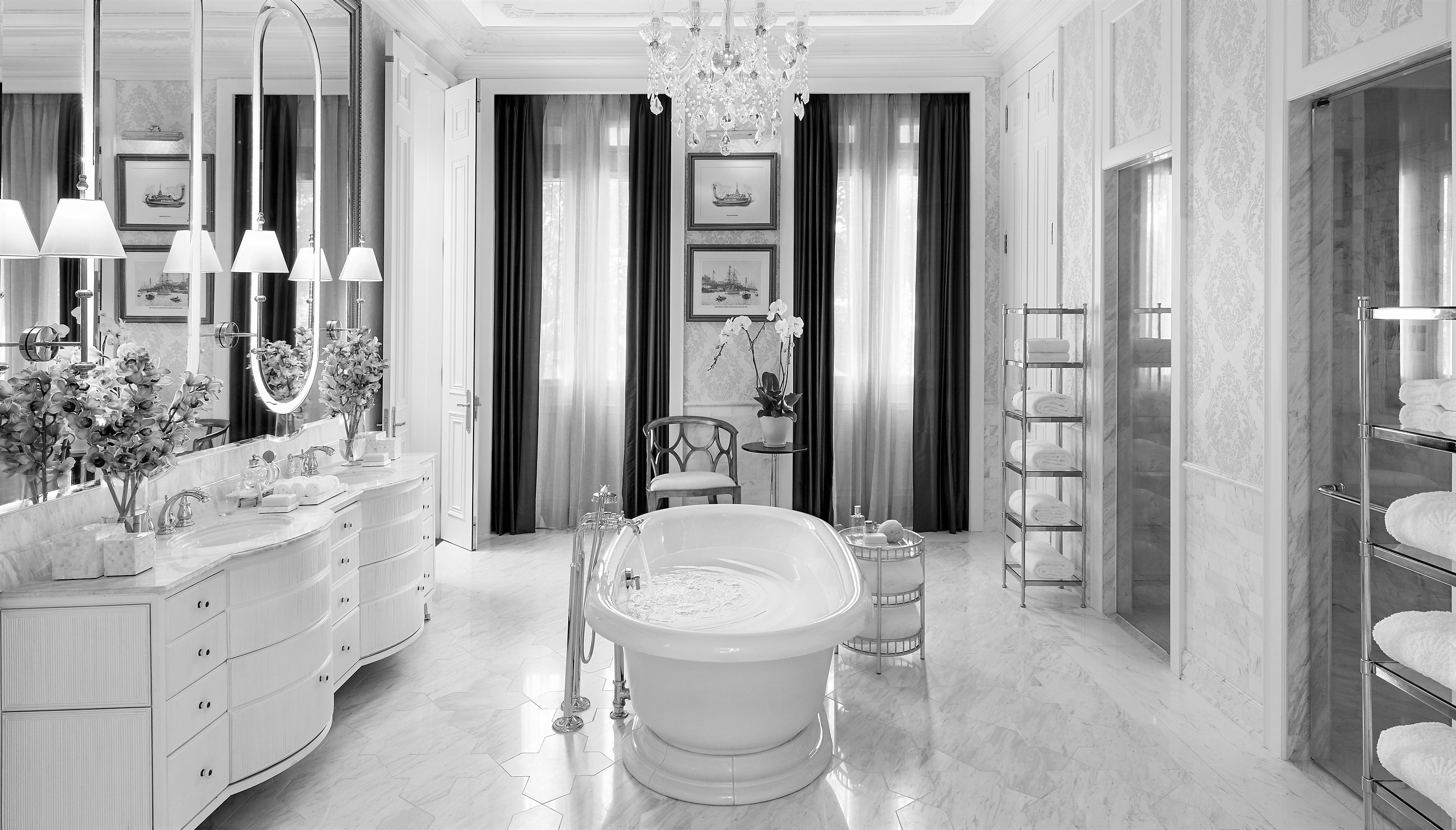 Mandarin Oriental BKK royal-bathroom